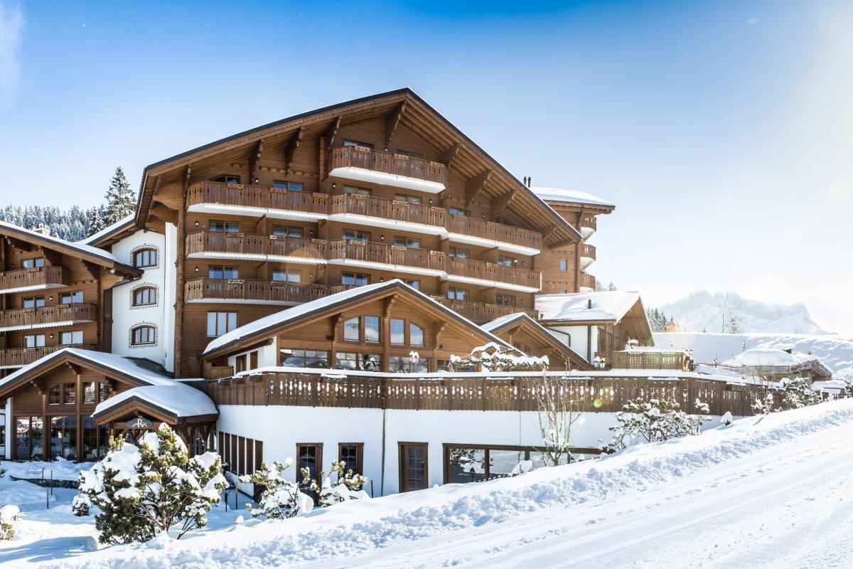 chalet royalp spa villars sur ollon alpinebooker